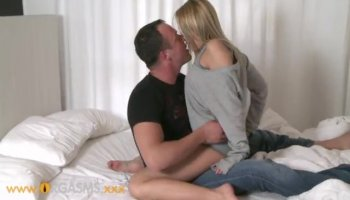 Shawna Lenee stays nude and gives tugjob
