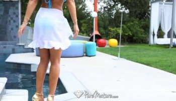 Stranded teen gf Lana nailed for money