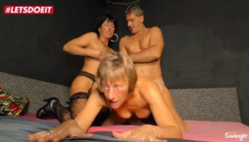 Muscled Bisexuals Fuck Teen and Get Cum!